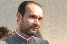 """<b>Preot Liviu BURLACU</b> </br> Vicepreședinte Asociația Socio-Medicală """"Siloam""""</br> Coordonator și Director de Programe"""