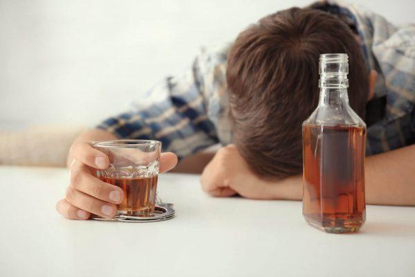 Alcoolicii înţeleg alcoolismul?