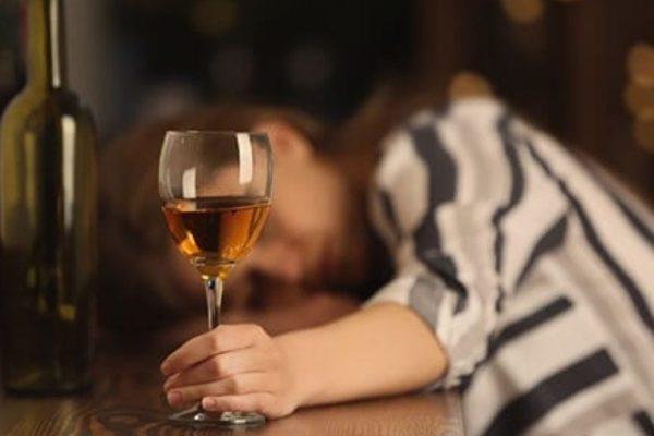 Alcoolicii nu sunt responsabili pentru propriul comportament?