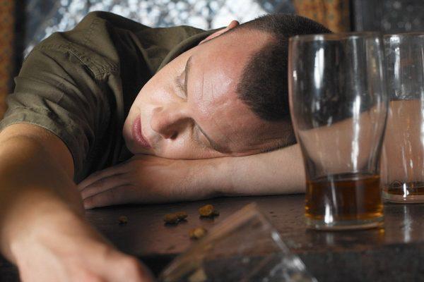Nivele de risc ale consumului de alcool