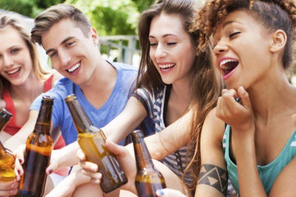 Riscurile la care sunt supuși copiii și tinerii sub 18 ani în urma consumului de alcool
