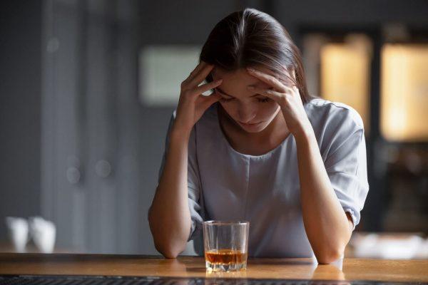 Legătura dintre anxietatea la adolescenți și abuzul de alcool, mai târziu în viață [studiu]