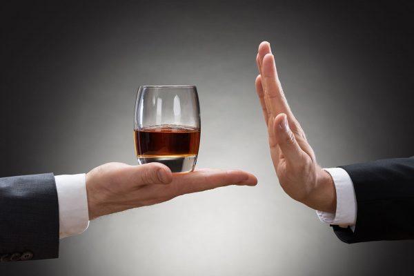 Renunțarea la alcool pentru o lună: ce efecte are în organism?