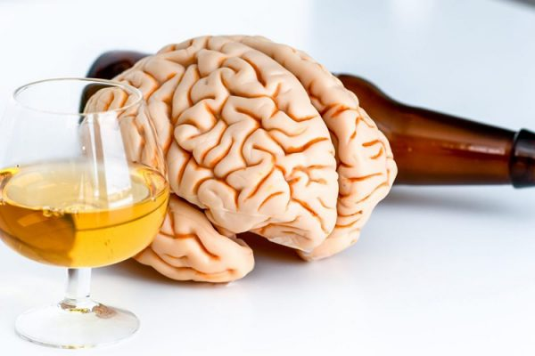 Alcoolismul duce la micșorarea creierului