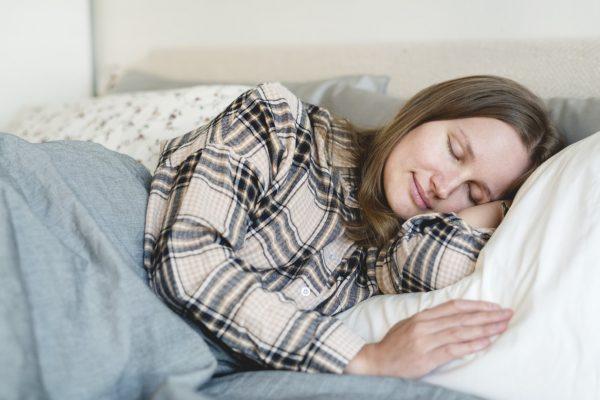 Somnul de după-amiază, mai benefic pentru organism decât cafeaua. În plus, nu dă dependență!