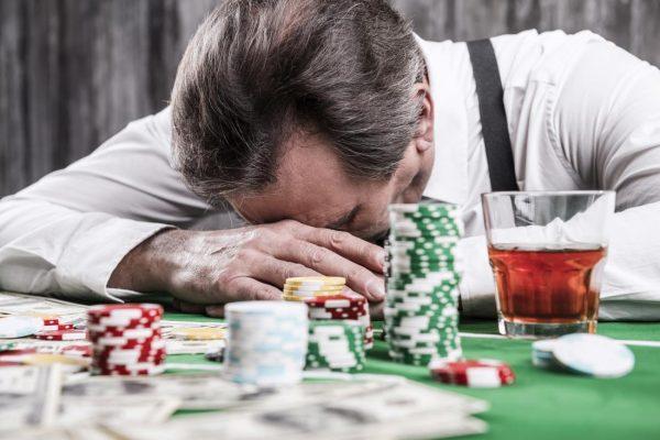 """VESTE BUNĂ – Amatorii de jocuri de noroc, identificați, arhivați, iar """"indezirabilii"""" vor avea interdicție de a intra în salile de jocuri."""