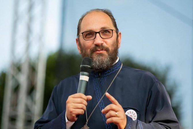 """""""Dragostea față de omul băutor începe în momentul când îl ajuți să-și vadă căderea."""" – Părintele Constantin Necula"""