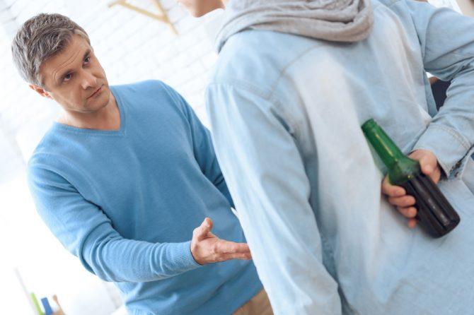 Semnele viitoarei dependenţe de alcool pot fi descoperite încă din copilărie