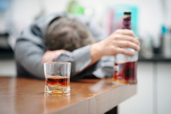 Ce loc ocupă România și R. Moldova în topul consumatorilor de alcool?